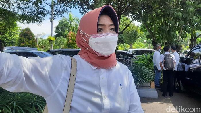 Plt Kepala DKRTH Kota Surabaya Anna Fajriatin