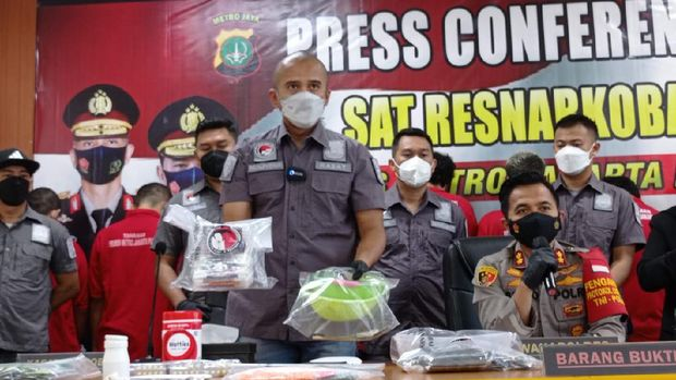 Polres Jakpus menangkap 8 bandar sabu di 2 lokasi di Jakarta Timur