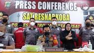 Polisi Bongkar Pabrik Inex Palsu Berbahan Obat Kina-Spidol di Johar Baru