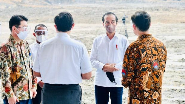 Presiden Jokowi resmikan pembangunan pabrik baterai kendaraan listrik pertama di Indonesia