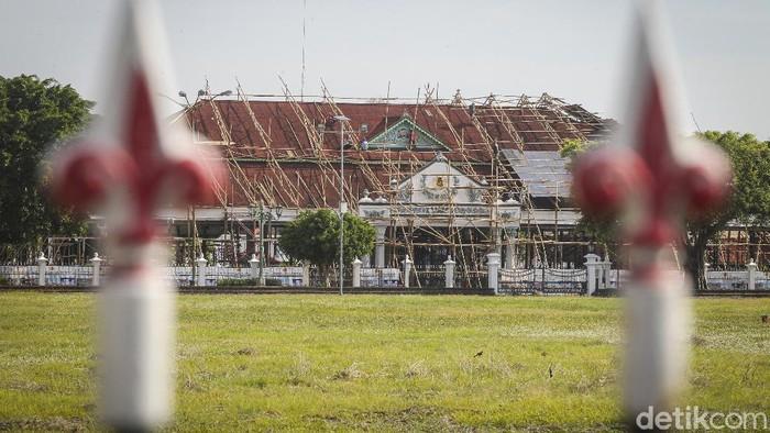 Proyek revitalisasi Pagelaran bagian dari komplek Keraton Yogyakarta terus dikebut. Hal ini dilakukan untuk perawatan dan melestarikan keaslian bangunan.
