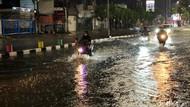 Waspadai Hujan Lebat Disertai Petir-Angin Kencang