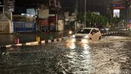 Potret Sejumlah Jalan di Surabaya Terendam Banjir Tadi Malam