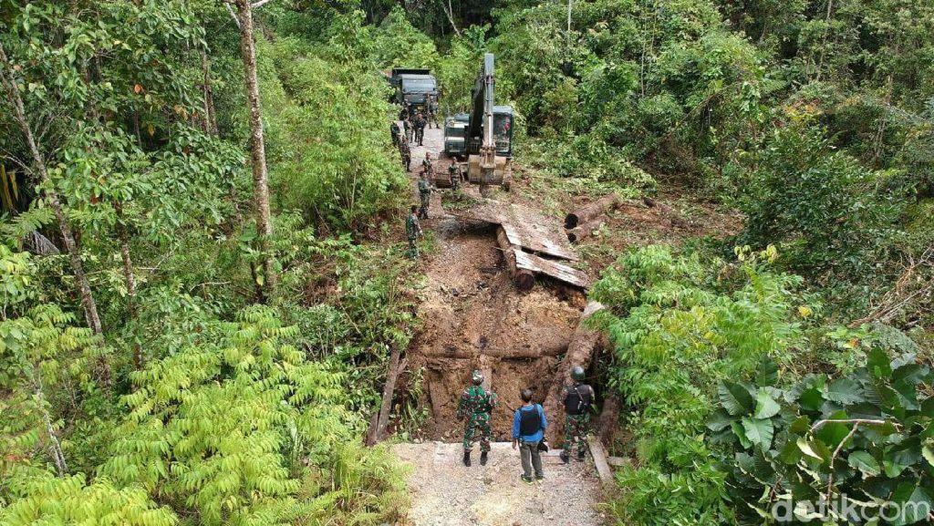 Sempat Dihancurkan KNPB, 2 Jembatan di Papua Barat Dibangun Lagi