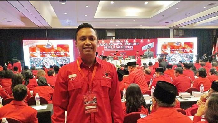 Wakil Ketua DPD PDI Perjuangan Ronny Talapessy akan melaporkan penyebar hoal Megawati Koma ke Polda Metro Jaya, Rabu (15/9/2021).