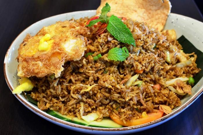 10 Restoran dengan Menu Nasi Goreng yang Terkenal Enak