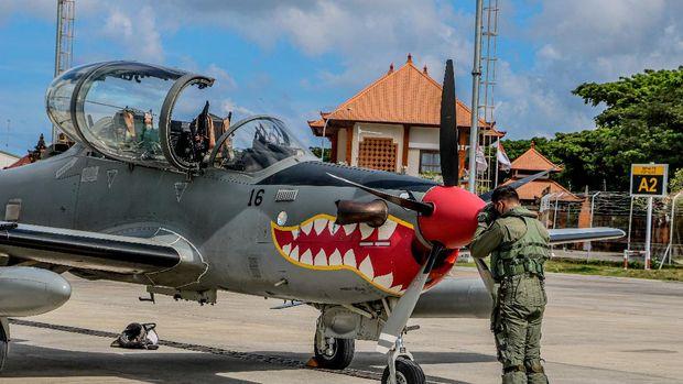 4 Pesawat tempur taktis Super Tucano TNI AU tiba di Landasan Udara (Lanud) I Gusti Ngurah Rai di Kabupaten Badung, Bali. (Dok. Lanud I Gusti Ngurah Rai)