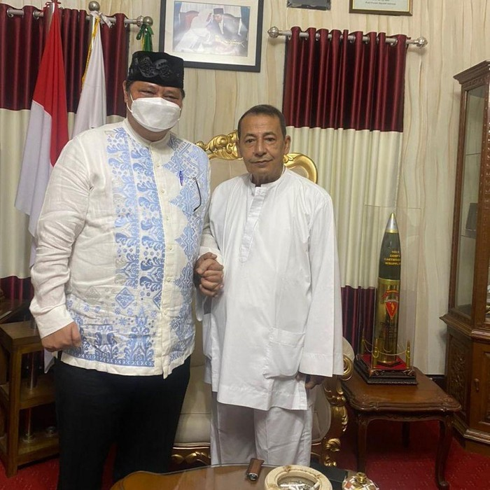 Airlangga Hartarto bersama Habib Luthfi bin Yahya