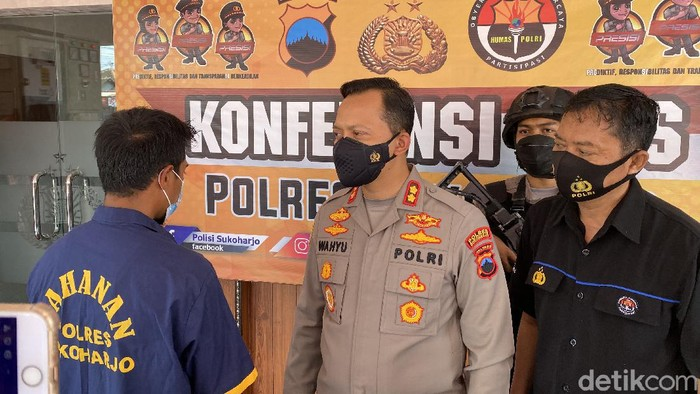 Bapak inisial ES tega perkosa anaknya kandungnya yang berusia 7 tahun. Kasus ini ditangani Polres Sukoharjo.