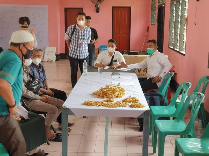 Barang bukti perampokan toko emas di Medan