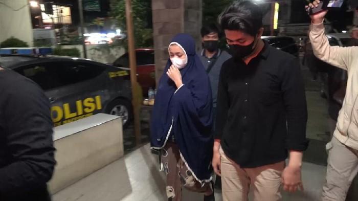 Dua sejoli pelaku penipuan arisan online ditangkap