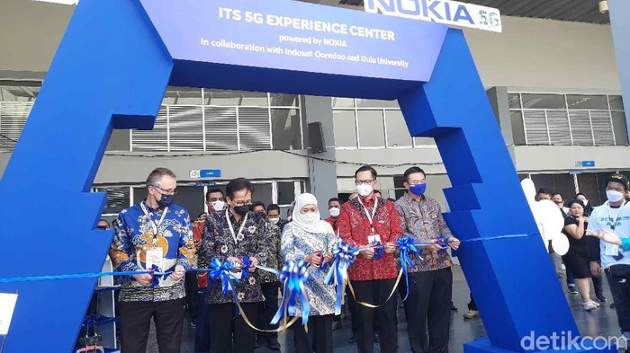 Di era yang terus berkembang, Institut Teknologi Sepuluh November (ITS) me-launching labolatorium dengan kekuatan 5G. Yaitu ITS 5G Experience Center yang akan dimanfaatkan untuk mengembangkan inovasi dan riset.