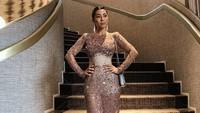 Jennifer Bachdim Ikuti Tren Pakai Naked Dress ala Kendall Jenner di Met Gala