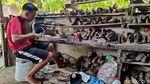 Kisah Perajin Sepatu dan Sandal di Asahan yang Bertahan Masa Pandemi