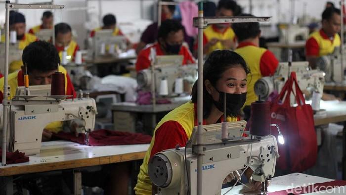 Pabrik garmen dibangun di dalam Rutan Klas I Solo, Jawa Tengah. Konveksi ini memberdayakan para warga binaan.
