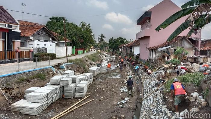 Penampakan proyek revitalisasi Sungai Kedung Putri Purworejo, Kamis (16/9/2021)