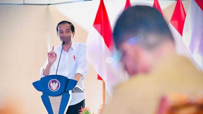 Presiden Jokowi saat memberikan arahan untuk kepala daerah di Aceh