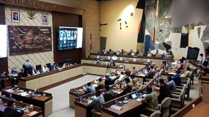 Rapat persiapan pelaksanaan Pemilu 2024 di Komisi II DPR (Eva-detikcom)