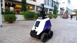 Ini Xavier, Polisi Robot Perazia Warga Singapura yang Parkir dan Merokok Sembarangan