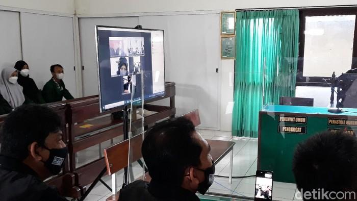 Sidang perdana kasus Nani takjil sianida di PN Bantul, Kamis (16/9/2021).