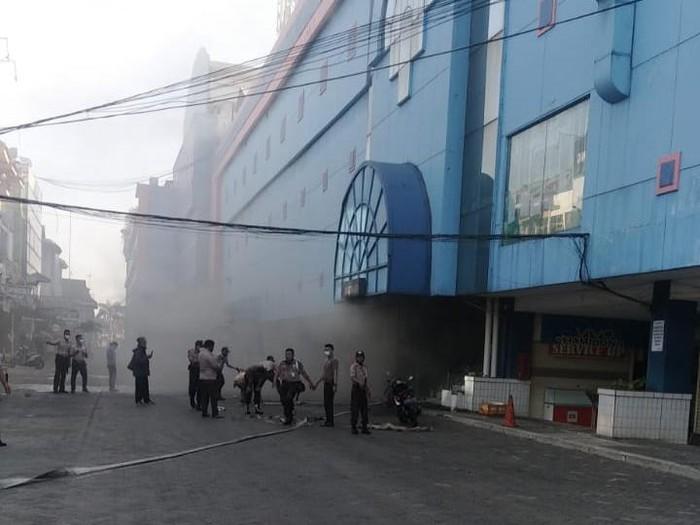 Swalayan di Bekasi terbakar (dok Damkar Kota Bekasi)