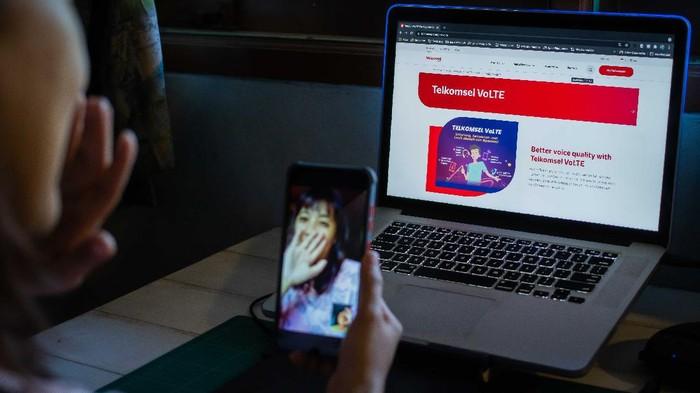 Sebagai upaya untuk memperkuat ekosistem 5G, Telkomsel memperluas layanan Voice over LTE alias VoLTE yang kini sudah hadir di 219 kota Indonesia.