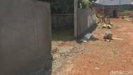 Pembongkaran Tembok Perumahan Halangi Akses Warga Serua Sudah Beres