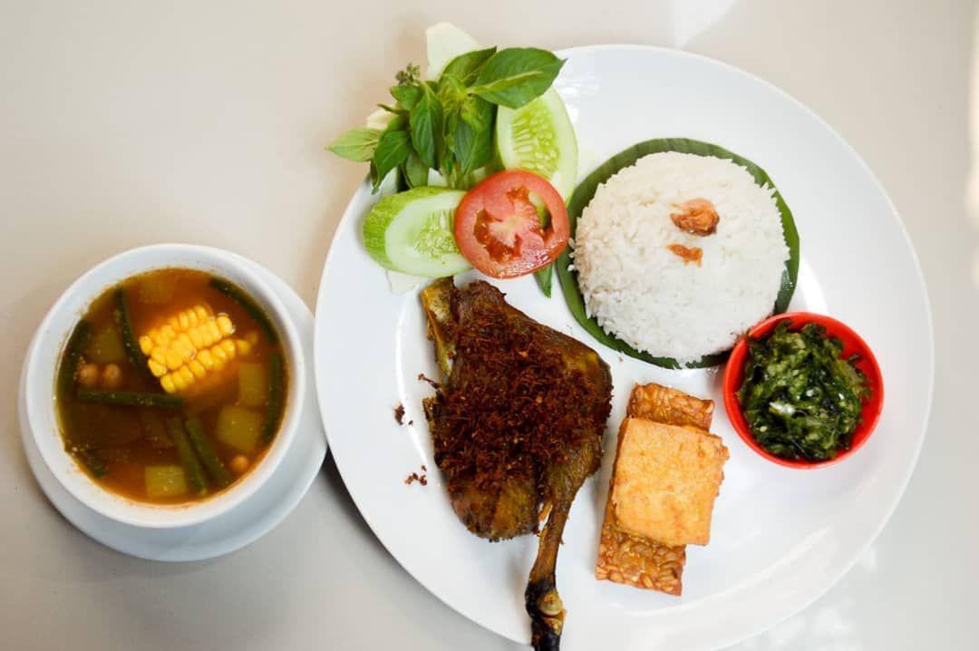 Tempat Makan Siang di Tebet