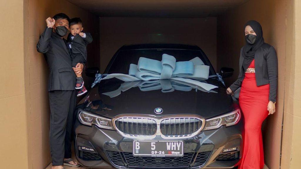Most Pop: Viral Sultan Bugis Hadiahi Anak 2 Tahun Mobil Mewah Rp 1,2 M