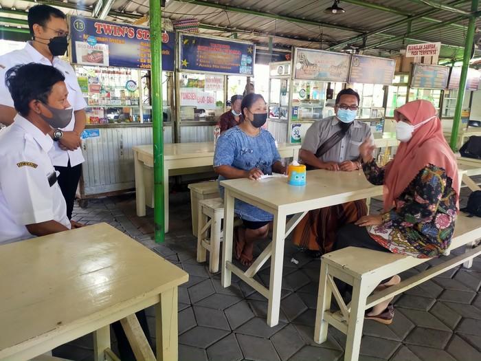Wakil Ketua DPRD Kota Surabaya Reni Astuti