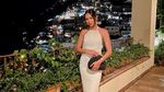 10 Foto Alyssa Daguise dengan Bahu Indah yang Bikin Al Ghazali Nyaman