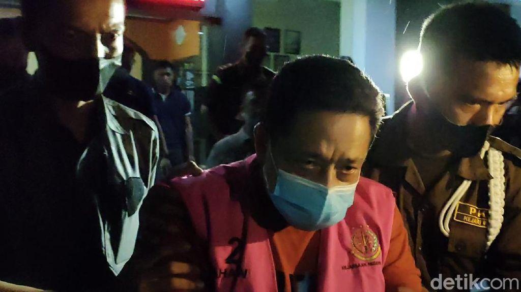 Penampakan Buron Kasus Korupsi Dinas Perikanan Jabar Berompi Tahanan