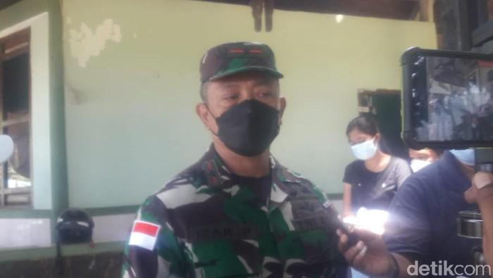 Danrem 172/Praja Wira Yakthi (PWY), Brigjen TNI Izak Pangemanan menjelaskan kondisi terkini di Pegunungan Bintang (Wilpret Siagian/detikcom)