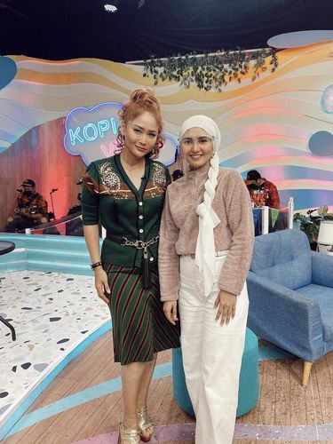 Foto Rara Nawangsih menjadi bintang tamu.