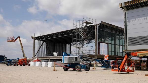 Empat gate baru dibangun untuk Bandara Dallas Forth Worth (DWF) di Texas. Salah satunya dihubungkan ke terminal yang digunakan American Airlines. (Bandara DFW)