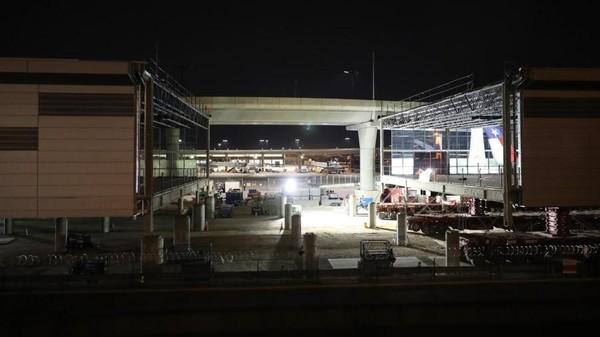 Empat gate baru memiliki luas total 7.400 meter persegi dan dinding kaca, lantai beton, atap beton, aspal dan fiberglass. (Bandara DFW)