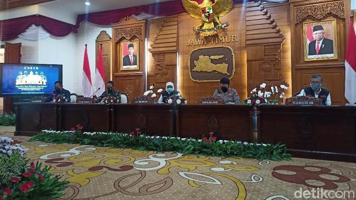 Jatim menjadi provinsi pertama dan satu-satunya yang masuk level 1 sesuai asesmen Kemenkes. Gubernur Khofifah Indar Parawansa menyebut, ada 254 wisata yang akan segera dibuka.