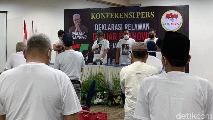 Joman Jawa Timur melakukan deklarasi mendukung Ganjar Pranowo untuk Capres 2024. Deklarasi dilakukan di Garden Palace Hotel Surabaya, Jumat (17/9).
