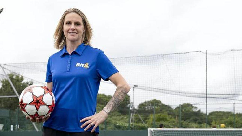 Legenda Sepakbola Wanita Inggris Ini Giat Kampanye Kesehatan Mental