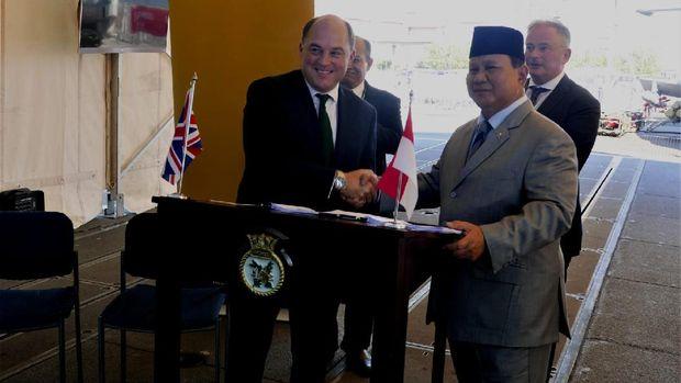 Menteri Pertahanan Republik Indonesia, Prabowo Subianto dan Menteri Pertahanan Inggris, RT. Hon Ben Wallace MP – telah menyaksikan penandatanganan perjanjian tersebut di London. (dok. Kedubes Inggris)