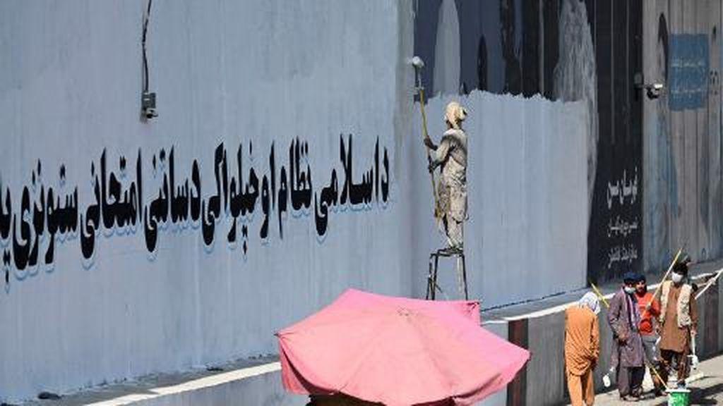 Taliban Berkuasa, Mural-mural Dihapus