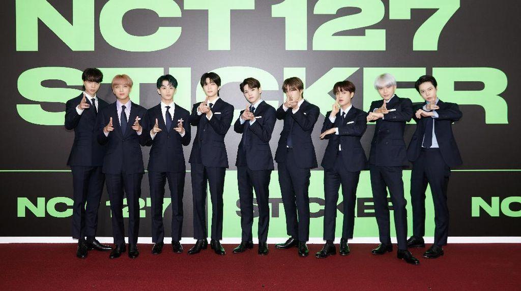 NCT 127 Tampil Gagah dengan Setelan Jas di Perilisan Sticker