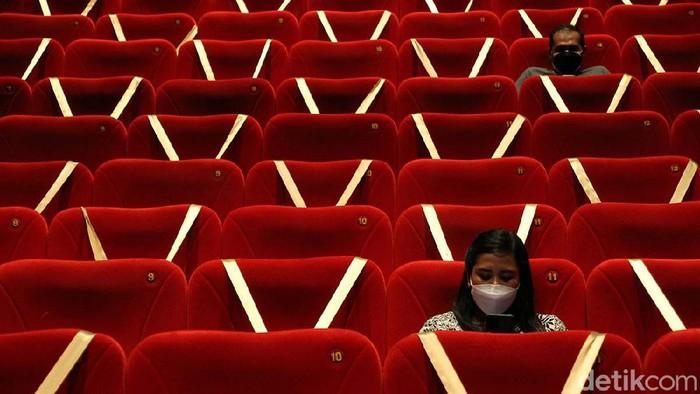 Meski telah diijinkan untuk beroperasi, bioskop di Kota Solo masih sepi pengunjung. Begini potretnya.