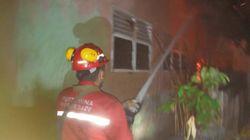 Pertamina Bantu Proses Pemadaman 6 Rumah Terbakar di Dumai
