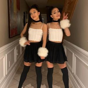 8 Foto Wanita Kembar yang Dapat Ancaman Pembunuhan Karena Mirip Ariana Grande