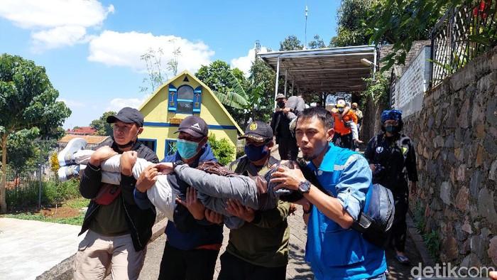 Warga antusias ikut simulasi gempa Sesar Lembang