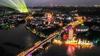 Memukau Lentera Warna-warni Terangi Wilayah China