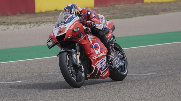 ALCANIZ, SPAIN - SEPTEMBER 11:  Johann Zarco of France and Pramac Racing heads down a straight during the MotoGP of Aragon - Qualifying  at Motorland Aragon Circuit on September 11, 2021 in Alcaniz, Spain. (Photo by Mirco Lazzari gp/Getty Images)
