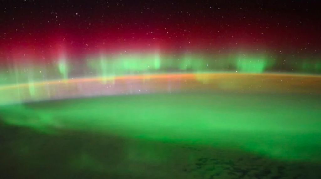 Astronaut Tangkap Aurora Menakjubkan dari ISS