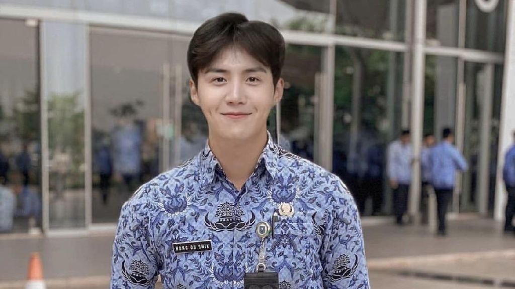 Karier Artis K-Pop Kim Seon-Ho: Dari Anak Teater hingga Jadi Aktor Terbaik